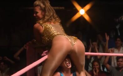 Drsné a sexy. Seriál Glow ponúka zábavný náhľad do sveta profesionálneho ženského wrestlingu 80. rokov