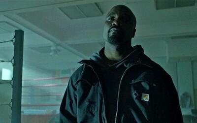 Drsný superhrdina z Harlemu, Luke Cage, je rozstrieľaný v prvom teaseri k svojmu Netflixovému seriálu
