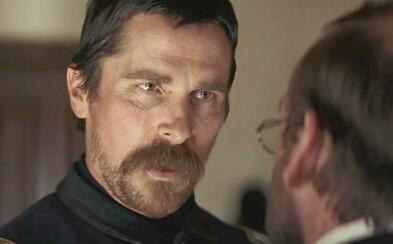 Drsný western s Christianom Baleom je plný brutality, ale aj silných emócií a priklincuje vás k sedačke