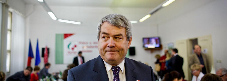Drtivá většina vedení KSČM hlasovala pro ukončení tolerance vlády