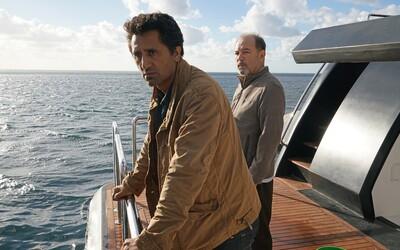 Druhá séria Fear the Walking Dead zachytí útek ľudí pred zombíkmi na šíre more