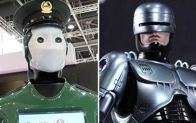 Dubajské ulice budou ochraňovat policejní roboti. Robocop zajistí to, aby byli obyvatelé a návštěvníci metropole v bezpečí