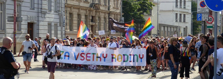 Dúhový Pride alebo Hrdí na rodinu? Boli sme na oboch pochodoch, no len jeden propagoval toleranciu