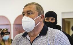 Dušan Kováčik je vinný, dostal 14 rokov a prepadnutie majetku. Na vyhlásenie rozsudku sa prišiel pozrieť aj Fico