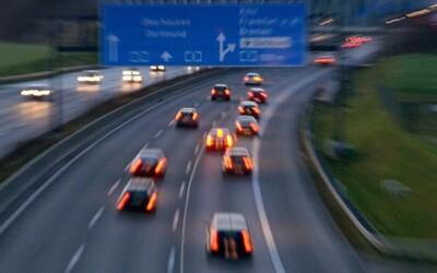 Duslo hrozí pre vysoké ceny energie zastavením výroby. Postihlo by to milióny áut v Európe