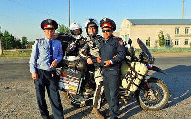 Dva Češi procestovali na motorce Mongolsko, Kazachstán, Bolívii a dalších 26 zemí. Za 560 dní ujeli 90 tisíc kilometrů (Rozhovor)