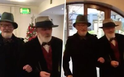 Dva heterosexuální kamarádi z Irska se vzali, aby se vyhnuli placení daní. Stát od nich 50 tisíc eur neuvidí