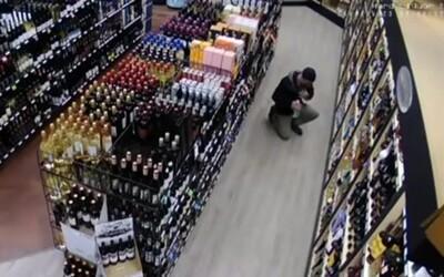 Dvaja 16-roční mladíci z Bardejova ukradli dve fľaše alkoholu. Teraz im hrozia až dva roky za mrežami