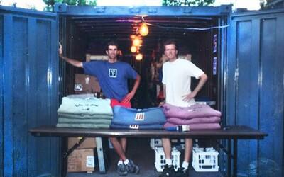 Dvaja bratia spravili zo zlyhania 100-miliónovú firmu. Uspieť s predajom tričiek im trvalo roky, ale stálo to za to