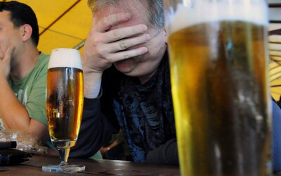 Dve pivá predal za 664 €. Podvodníka už chytila polícia