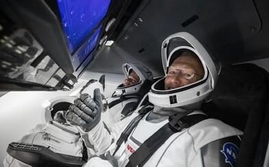Dvojica astronautov SpaceX pozná dátum návratu na Zem. Ich príchod budeš môcť opäť sledovať naživo