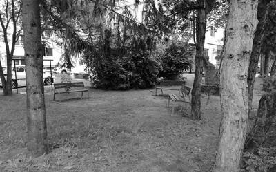 Dvojica v popradskom parku zavraždila staršieho muža. Škrtili ho tak dlho, až prestal dýchať