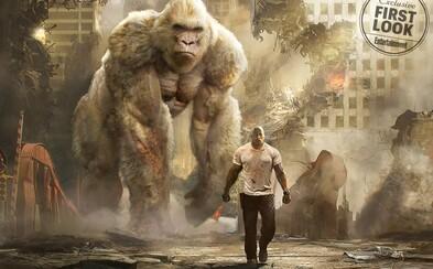 Dwayne Johnson sa v akčnej porcii záberov zo snímky Rampage snaží zastaviť deštrukciu a šialenstvo spôsobené troma prerastenými monštrami