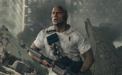 Dwayne Johnson si už vo štvrtkovom traileri pomeria svaly s monštruóznymi zvieratami ničiacimi svet. Dovtedy si vychutnajte aspoň fotky