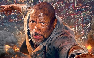 Dwayne Johnson zachraňuje svoju rodinu v horiacom mrakodrape plnom teroristov. Podarilo sa mu natočiť zábavný akčný výplach? (Recenzia)
