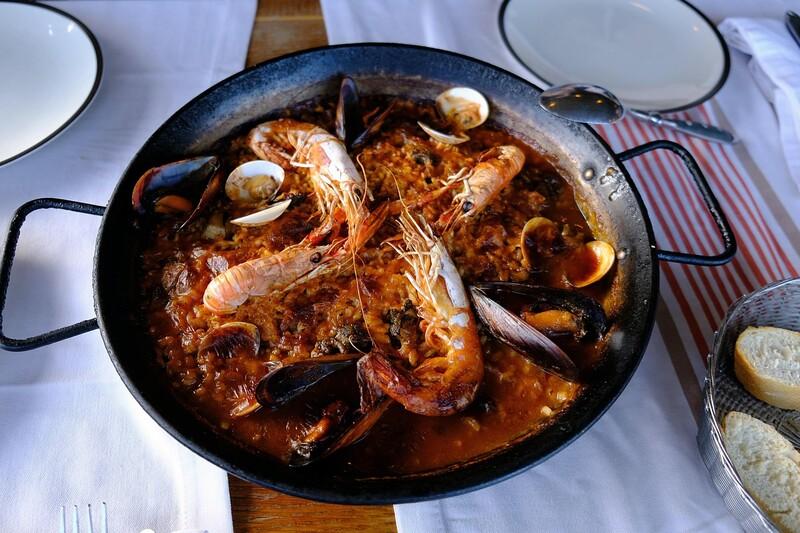 Pre ktorú krajinu je charakteristická paella?