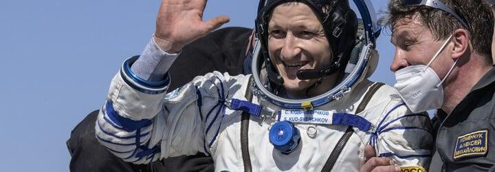Astronauti z Medzinárodnej vesmírnej stanice bezpečne pristáli na Zemi. Vo vesmíre strávili 185 dní