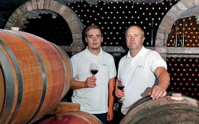 Najväčším klamstvom v ich biznise je, čím drahšie tým lepšie. Kvalitné slovenské víno kúpite už od 5 eur za fľašu