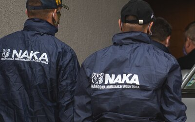 Zadržali vyšetrovateľov NAKA, ktorí pracujú na najzávažnejších kauzách. Vraj sa dostali aj k vysokopostaveným politikom