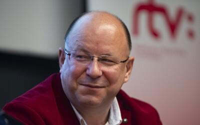 Vo verejnoprávnej RTVS pokračujú problémy, riaditeľ Rezník odvolal viacerých ľudí zo spravodajstva.