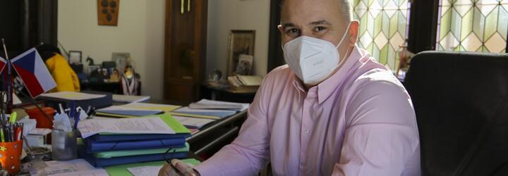 V Náchodě se začátkem roku šíření koronaviru vymklo kontrole. Situace byla děsivá, souhlasí starosta Jan Birke (Rozhovor)