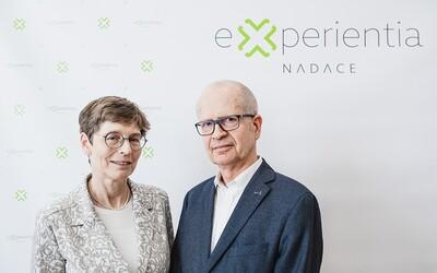 Manželé Dvořákovi věnují českým vědcům 1 milion korun na boj s koronavirem.