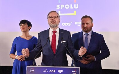 Česko čeká těžká zima, říká Fiala. Snižovat DPH na energie odmítá, navrhuje příspěvky na bydlení.