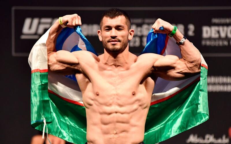 Česko-uzbecká hvězda UFC Makhmud Muradov jde do další bitvy! Jeho soupeř má ohromných 46 zápasů.