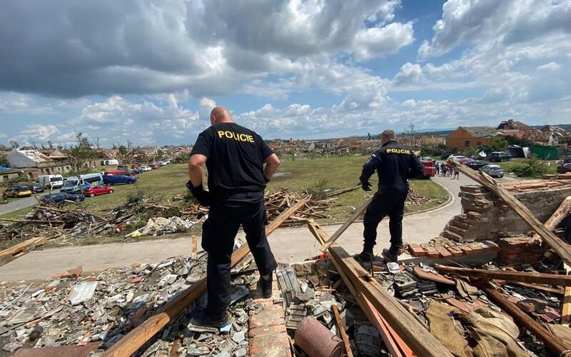 VIDEO: Takto vypadají obce zničené tornádem několik týdnů po katastrofě.
