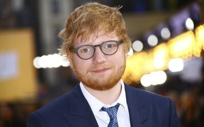 Ed Sheeran utratil přes 100 milionů korun, aby odkoupil domy všech svých sousedů. Stěžovali si na jeho stavební plány
