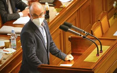 Sněmovna schválila pandemický zákon.