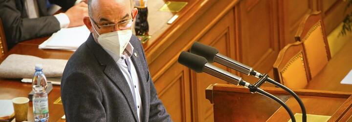 Sněmovna schválila pandemický zákon