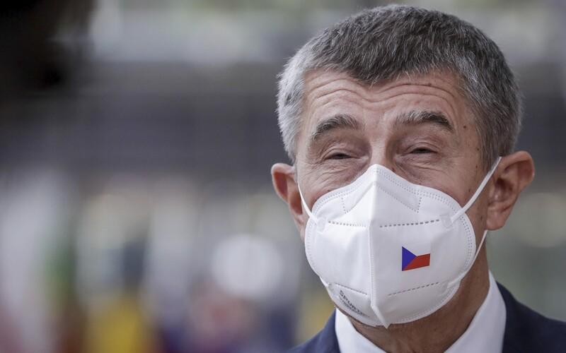 Bloomberg: Lépe než Česko zvládá pandemii i Pákistán, Nigérie nebo Egypt.