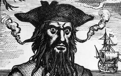 Edward Teach alias Černovous - nezávislost a honba za bohatstvím v životě nejobávanějšího piráta Karibiku