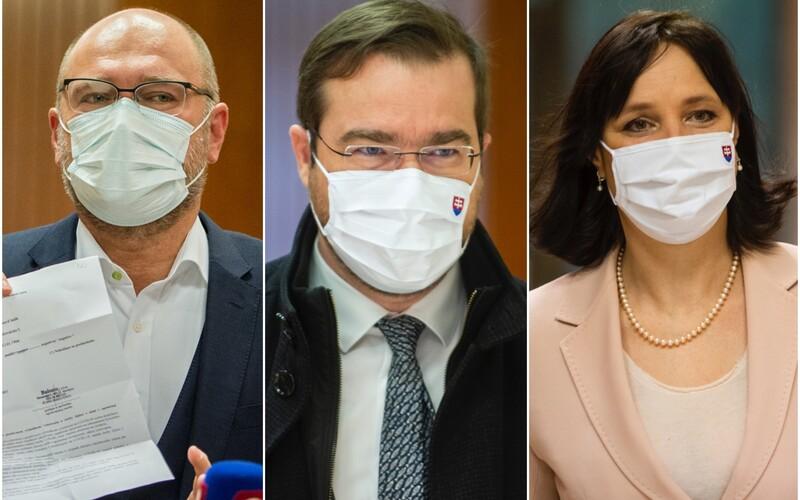 Za ľudí a SaS sa stále nedohodli, či odídu z koalície. Údajne žiadajú hlavu ministra Krajčího.