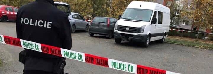 V Karviné se hromadně popraly desítky teenagerů. Mladíci se bili obušky a stříleli po sobě airsoftovými zbraněmi