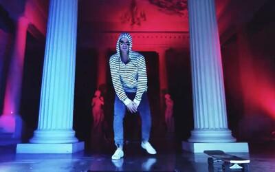 Ego si užívá svou Nezávislosť v novém videoklipu do hudby od Wiche