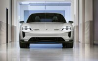Elektrické Porsche potřebuje jen 15 minut na plné nabití. Odvděčí se skvělým dojezdem i rychlostí