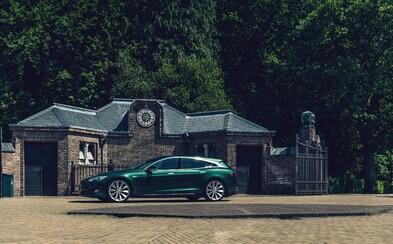Elektrický Model S poznáváme jako stylové kombi, překvapivě však není od Tesly
