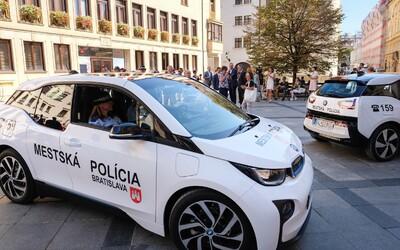 Elektrickým BMWi i3-kami sa už pýši aj bratislavská mestská polícia