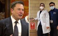 Elon Musk namísto plicní ventilace rozdává přístroj na poruchu spánku. Dokonce by prý mohl napomoci šíření virů