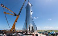 Elon Musk představil kosmickou loď Starship. Měla by bez problémů dostat lidi a náklad na Měsíc či Mars