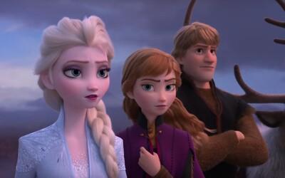 Elsa a Anna bojujú proti novým nebezpečenstvám. Debutové zábery z animáku Frozen 2 lákajú na dospelejší príbeh