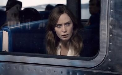 Emily Blunt je dievča vo vlaku, ktoré videlo únos ženy v traileri pre psychologický thriller