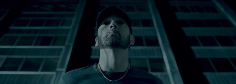 Eminem utíká před svým temným já a nadává na kritiky. Skladba Fall plná dissů dostává klip