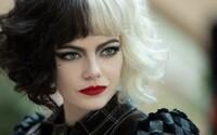Emma Stone je Cruella ze 101 dalmatinů. Film se soustředí na kriminální činnost slavné záporačky