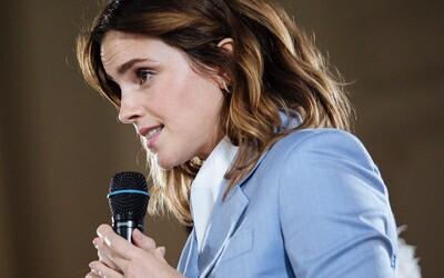Emma Watson nie je nezadaná, je vo vzťahu sama so sebou. Jej pohľad na vzťahy si zamiloval celý svet