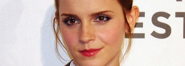 Emma Watson si nechala udělat tetování s gramatickou chybou. Před internetovými vtipy si však zachovala chladnou hlavu