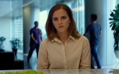 Emma Watson vytvorí v thrilleri Kruh pre Toma Hanksa nástroj, ktorý ukradne súkromie všetkým ľuďom na planéte