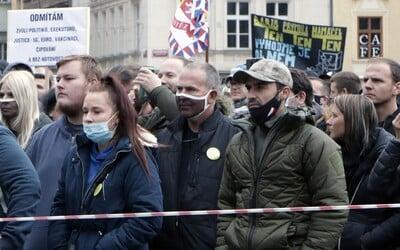 Epidemiolog o nedělní demonstraci: Nakazit se mohla půlka lidí